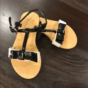 Janie and Jack black and white toddler sandals